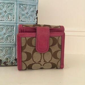 Handbags - Coach wallet 👜‼️